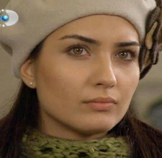 En güzel yüze sahip Türk kadın oyuncular sizce kimler?