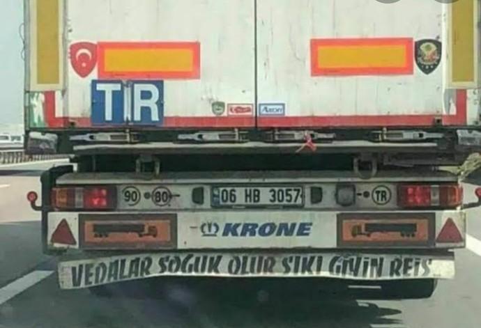 Kadınlar kamyoncu olsaydı kamyon arkasına ne gibi sözler yazarlardı?