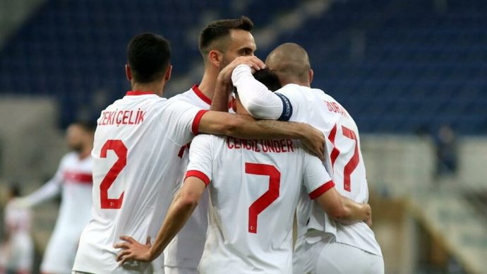 Sizce bu akşam oynanacak Türkiye-İtalya maçının sonucu ne olur?