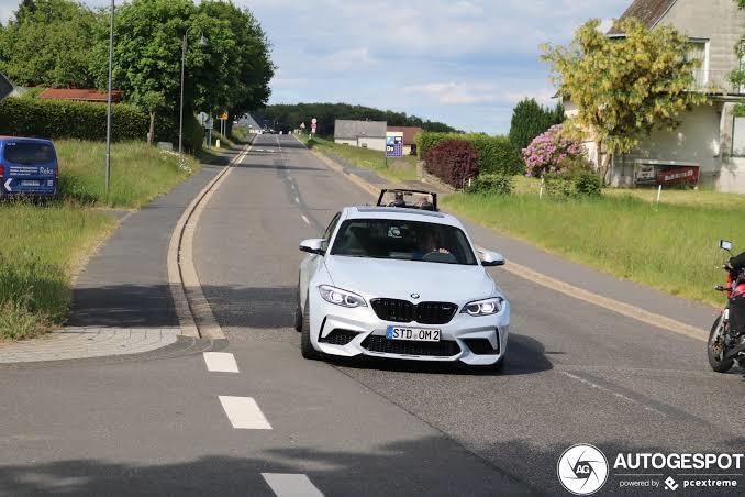 BMW sürücüleri genelde keko, sonradan görme ve sorunlu araba kullanan tipler oluyor, haksız mıyım?