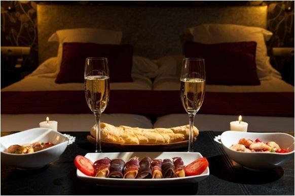 Eşinize/sevgilinize sürpriz, romantik bir akşam yemeği hazırlamak isteseydiniz menüde ne olurdu?