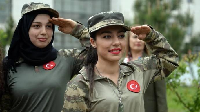 Kızlar askere gitmek istermiydiniz?