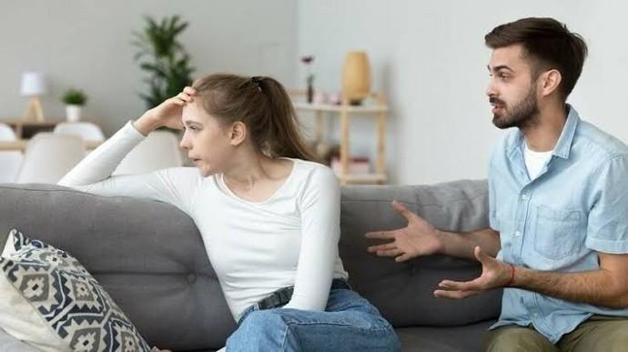 Sevgiliniz sürekli dış görünüşünüze olumsuz eleştiriler yapsa bu sorunu nasıl çözersiniz?