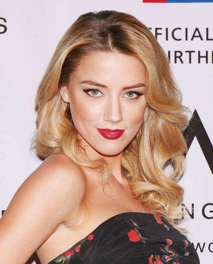Amber Heard sizce güzel bir kadın mı?