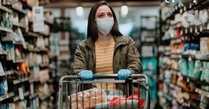 Alışverişlerinizde maske, mesafe kurallarına uymayan birini uyarır mısınız?