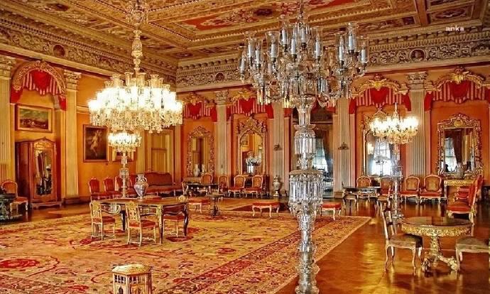 Dolmabahçe Sarayında 92 kiloluk iki altın vazo kayıp! Nereye gitmiş olabilir?