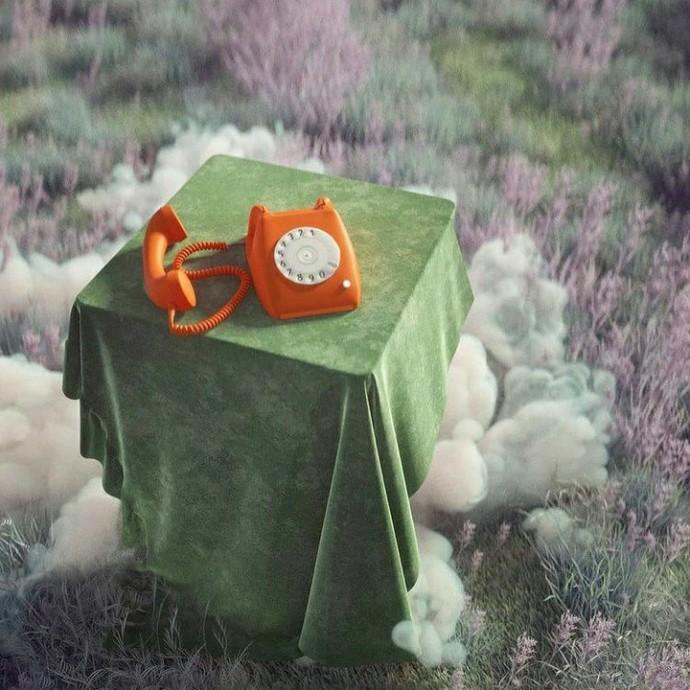 Sizi telefon başında bekleten birileri var mı?