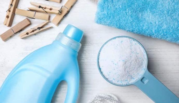 Sıvı deterjan ile toz deterjanı karıştırıp çamaşır yıkamayı denediniz mi?