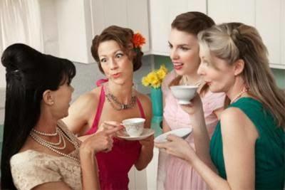 Her kadın ilişkisini arkadaş ve dost çevresine anlatır mı?
