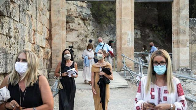 İspanyada 26.06.2021 den itibaren açık alanlarda maske zorunluluğu kalkıyor.