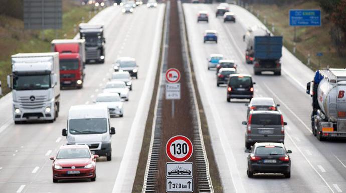 Süleyman Soylu: Otoyollarda hız limitlerini 20 KMye kadar arttırabiliriz dedi. Hız limiti kaç olmalı?