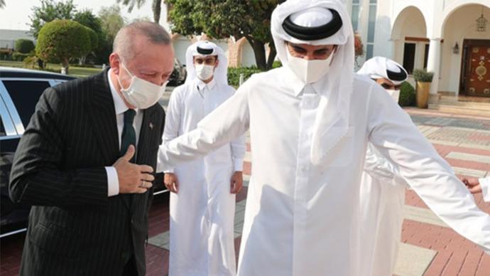 Katarlı gençlere Türkiye'de sınavsız tıp eğitimi hakkı verildi! Türk gençleri taş mı yesin?