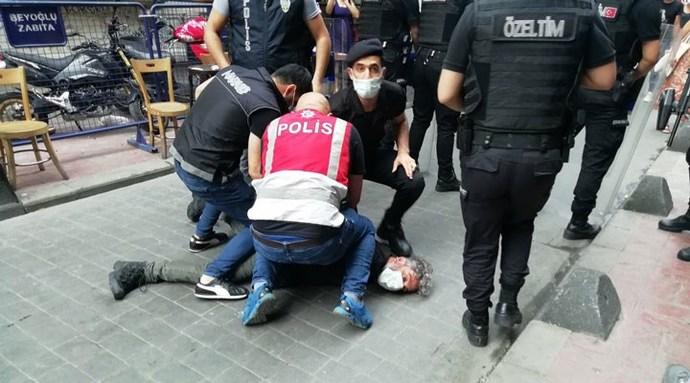 Bu polis kimin polisi, böyle polislere yargı neden hesap sormaz?