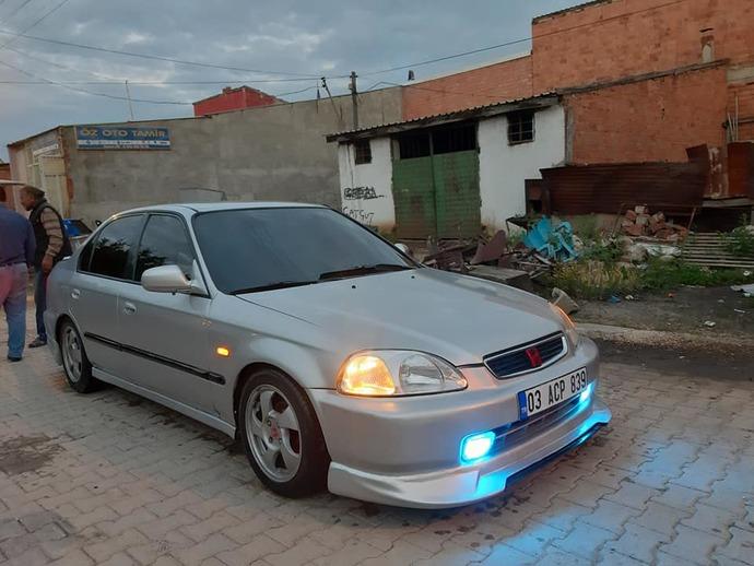 Böyle bir araç alsam ne gözüyle bakarsınız kız falan düşüremem herhalde bununla :)?