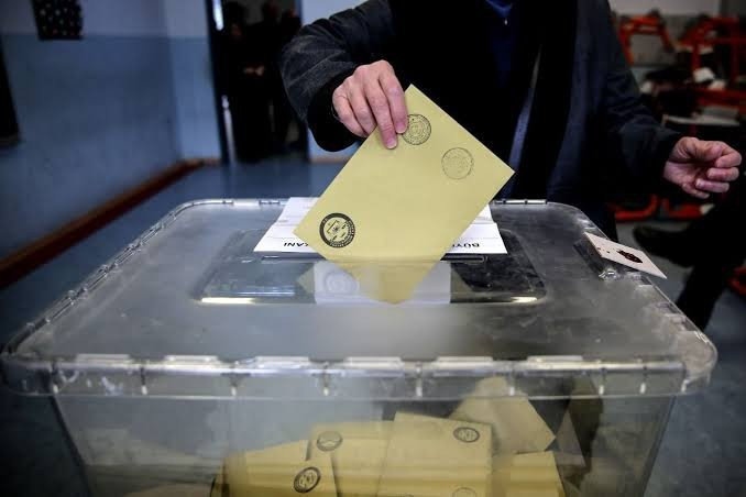 2023 Türkiye genel seçimi olsa sizce ben AK Parti'ye oy verir miyim?