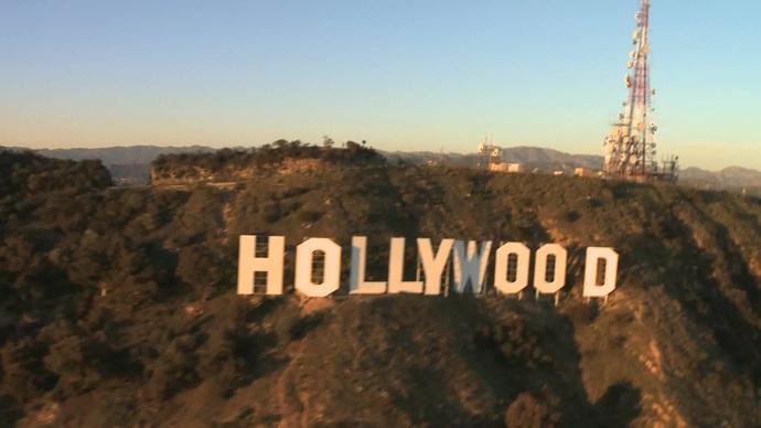 Sizce iyi bir oyuncu kötü bir senaryoya rağmen filmi izlenebilir kılabilir mi?