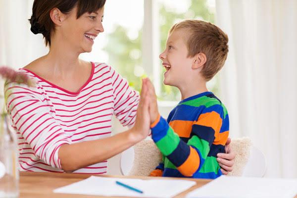Anne çocuk ilişkisi arkadaş gibi mi olmalıdır?