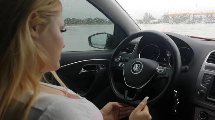 Araba sürmek sizin için zor mu? yoksa kolay mı?