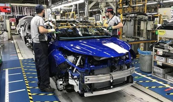 Otomotiv tamirinde yan sanayi ürünlere yönelir misiniz yoksa orijinalin gelmesini mi beklersiniz?