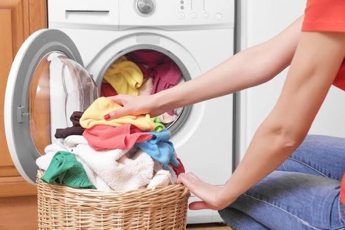 Çamaşır yıkarken, çevrenizden duyduğunuz tavsiyeleri deniyor musunuz?