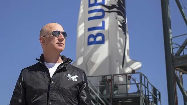 Jeff Bezos uzaya gidiyor! Sen uzaya gitsen yanında kimleri götürürsün?