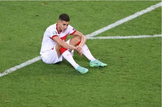 Bayern Münih ve Arsenal, Mert Müldürü transfer etmek istiyor! Sizce hangi takıma gitmelidir?