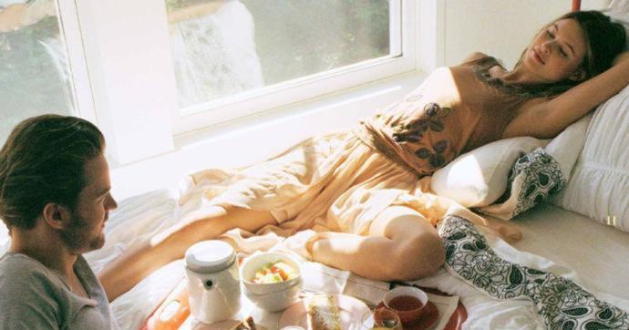 Regl günlerinde yemek yemeye hali olmayan sevgilinize yemek hazırlar mıydınız?