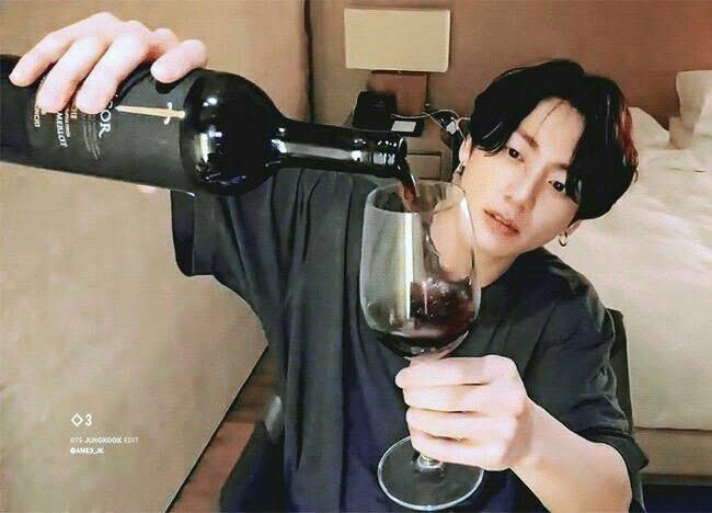 Jungkookun sarhoş olduğu zamanı hatırlıyor musunuz?