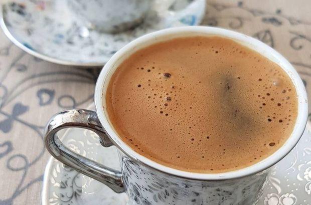 Türk kahvesi şekerli mi içersiniz şekersiz mi?