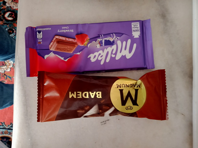 Tarafını seç çikolata mı dondurma mı?