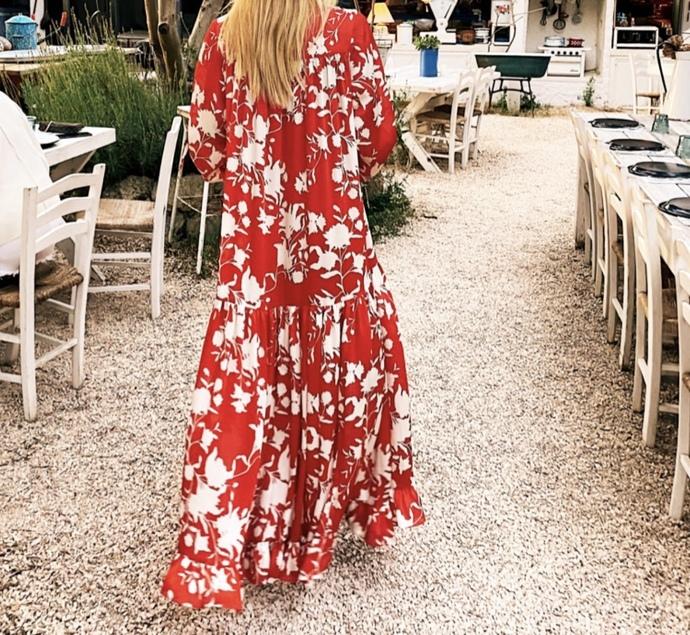 Bu elbiselerden hangisi güzel?