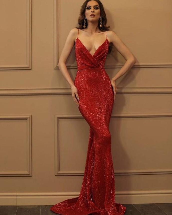 20 yaş için bu elbise abartılı mı?