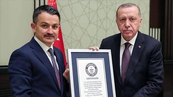Cumhurbaşkanı Erdoğan: Yangın uçağımız yok, Tarım ve Orman Bakanı: Uçaklarımız depolarda dedi. Bizimle dalga mı geçiliyor?