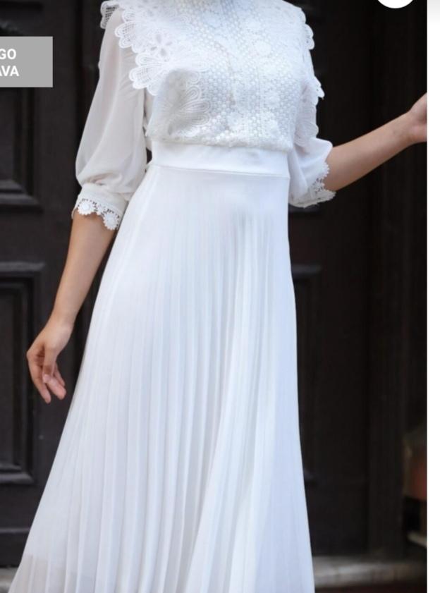 Bu elbiseyi sevgilim benden habersiz aldı. Güzel mi?