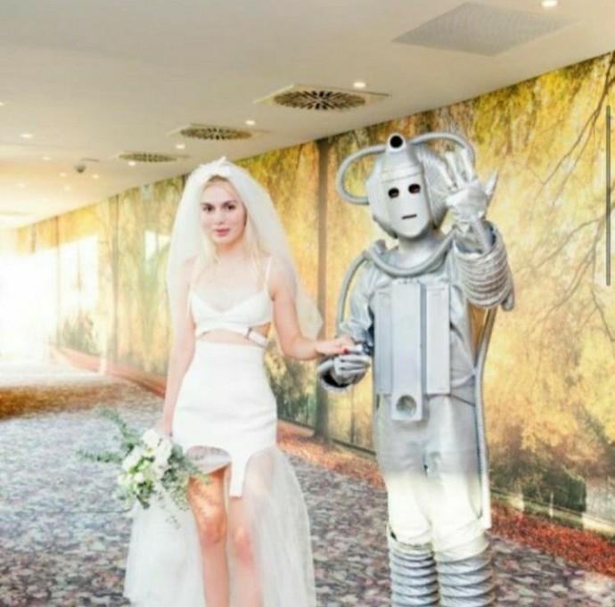 Aleyna Tilki robotla evlendi, siz robotla evlenir miydiniz?