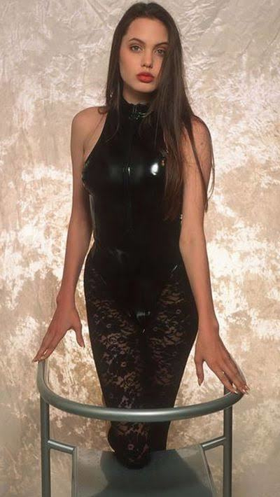 Angelina Jolie mi daha güzel Gülşen Bubikoğlu mu?