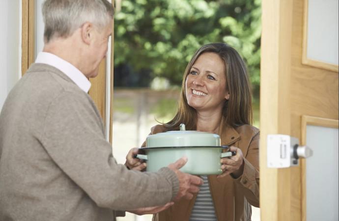 Hiç komşularınıza yemek/içecek vs. götürür müsünüz?