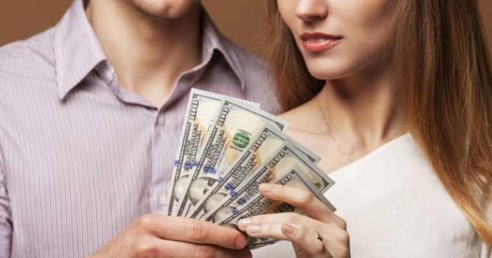 Para karşılığı bir yıllığına sevgili teklifi alsan kabul eder misin?