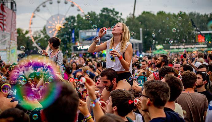 Katılmayı çok istediğiniz bir festival var mı?