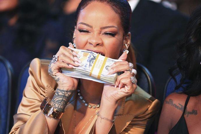 Halsey, Rihannanın Milyader olmasını kutladı! Sizin toplam servetiniz ne kadar?