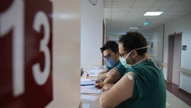 Muğla ve Antalyada sağlık çalışanlarının izinleri iptal edildi Kısıtlamalar yeniden mi geliyor?