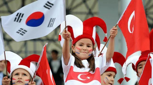 Hayranlıkları onlara Koreye kaçma fikrini verdi. Gidemediler! Ülkemizde bu Kore hayranlığı nereye gidiyor?