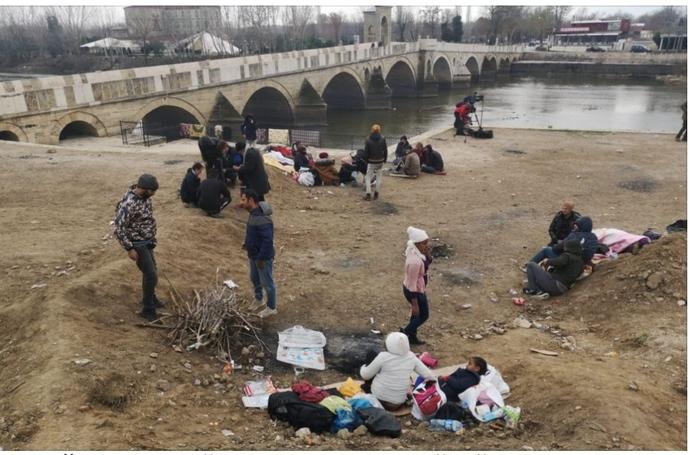 Mülteci gençler Türkiyeyi anavatanları olarak tanımlıyor. Siz mülteciler hakkında ne düşünüyorsunuz?