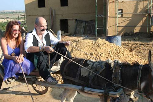 Cemil İpekçi Konyada eşek arabasına bindi! Eşek arabasıyla gezdiniz mi?
