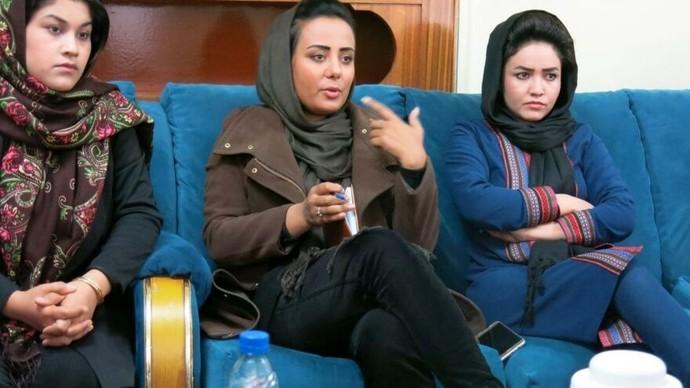 Dinci terör örgütü taliban Afganistanda tüm kadınları eve hapsetti! Türkiyede bunları destekleyenler oraya gider mi sizce?