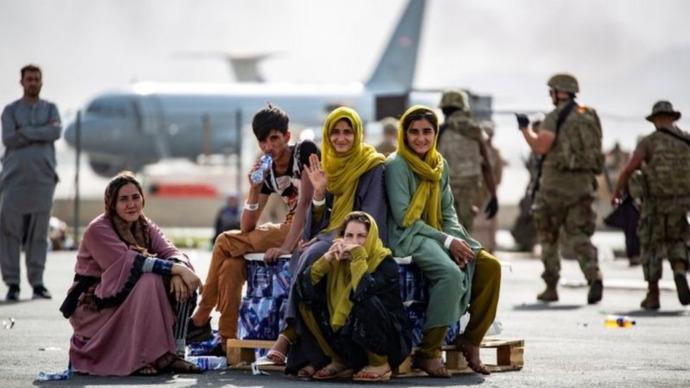 İngiliz Bakan: Türkiye ve Pakistan gibi ülkelerde mülteci merkezleri planlıyoruz. Ülkemiz mülteci merkezi mi?