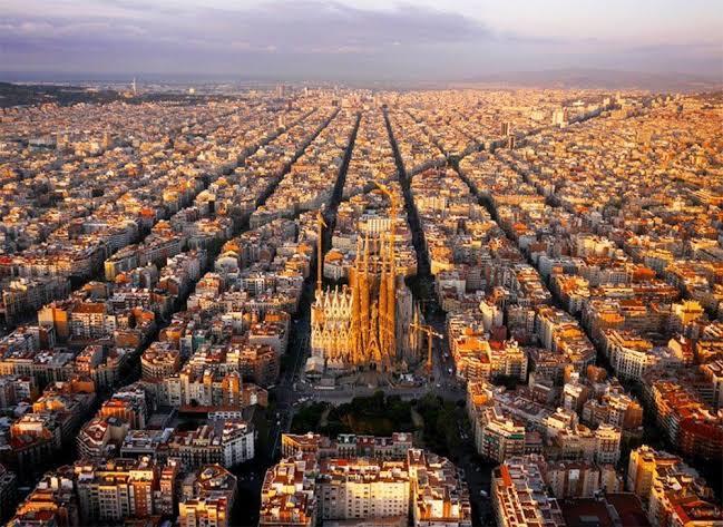 İşim gereği İspanya yada Almanyaya seyahat etmem gerekecek. Sizce hangisine gitmeliyim?