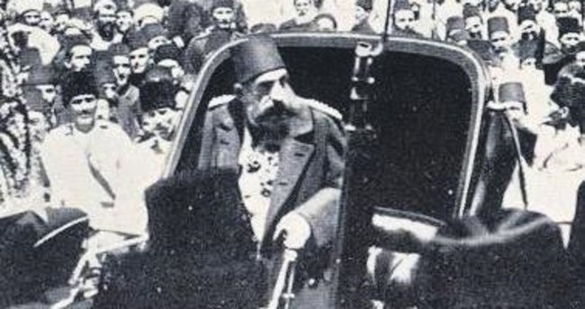 Abdülhamid cuma selamlığında