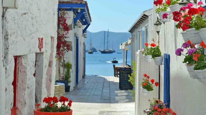 Tatilde iyi bir yerde kalıp az gezmek mi yoksa kötü bir yerde kalıp çok gezmek mi?