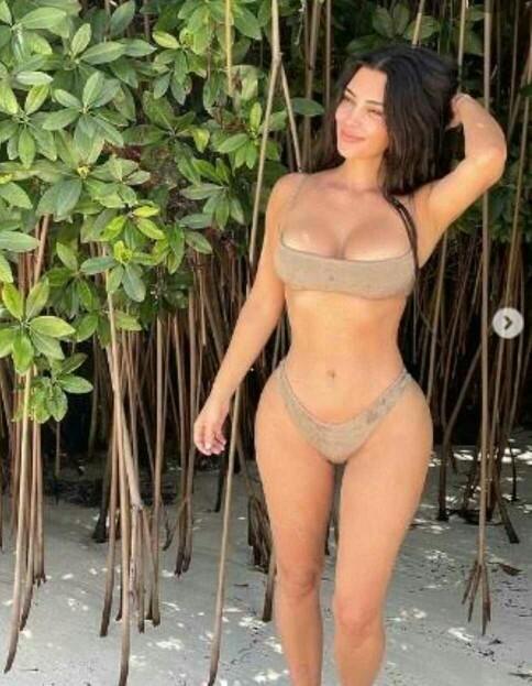 Kim Kardashianın fiziğini nasıl buluyorsunuz?